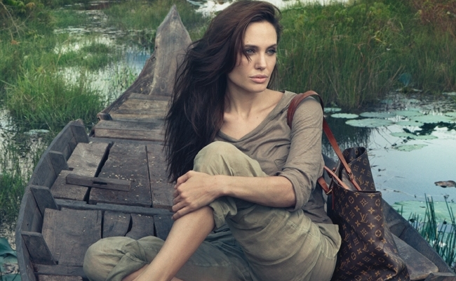 Angelina Jolie : : poids, taille, mensurations, vie privée, carrière